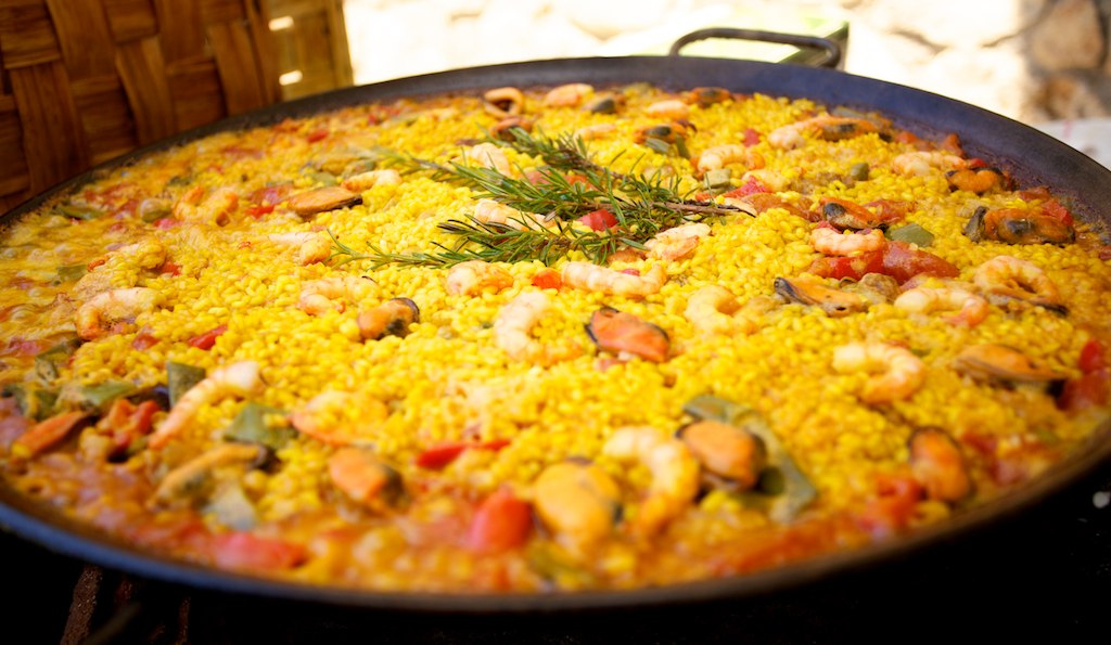 Paella the traditional spanish dish from valencia linguaschools paella forumfinder Image collections
